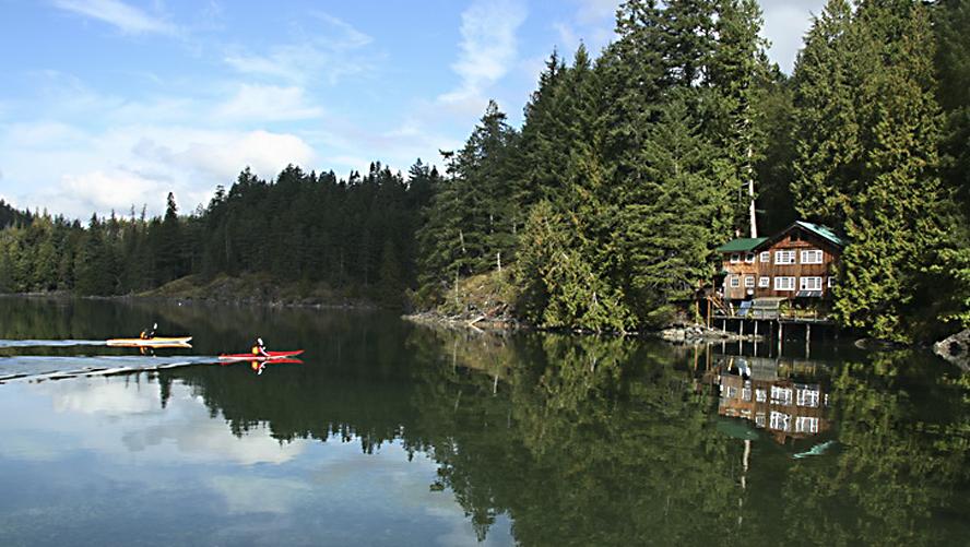 Kayak-Lodge-Getaway-NEW