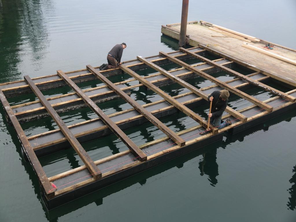 discovery-islands-lodge-dock