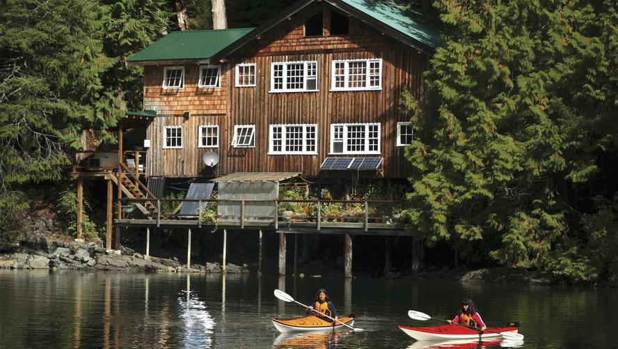 Kayak Lodge Getaway4